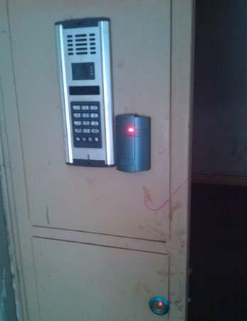 门禁刷卡机