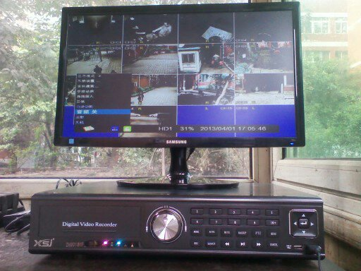 监控显示器